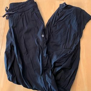 Lululemon studio pant-excellent/like new cond.